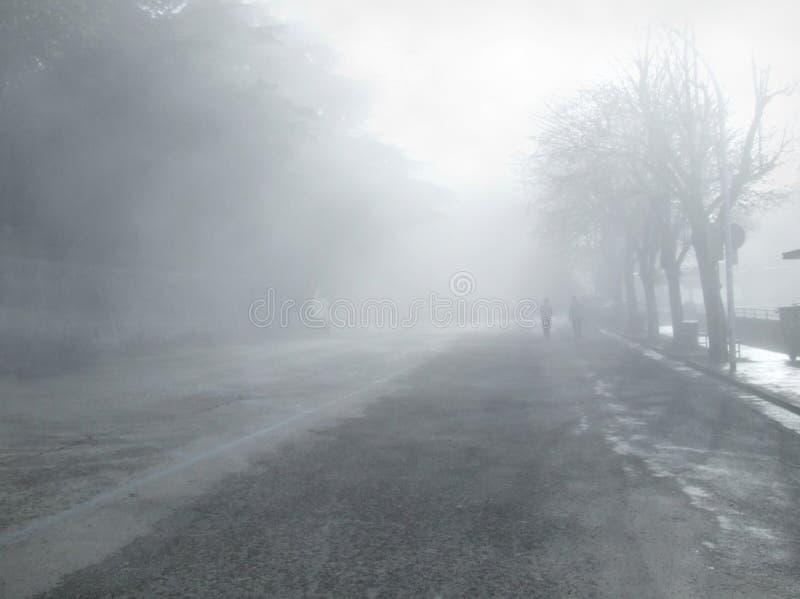 Percorso nelle nubi fotografie stock