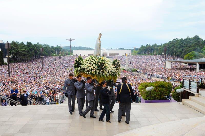 Peregrinação nossa senhora de Fatima, Virgin Mary Mother de Jesus, Christian Faith, multidão do devoto foto de stock royalty free