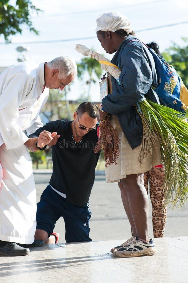Peregrinaje del St Lazarus - en rodillas fotos de archivo