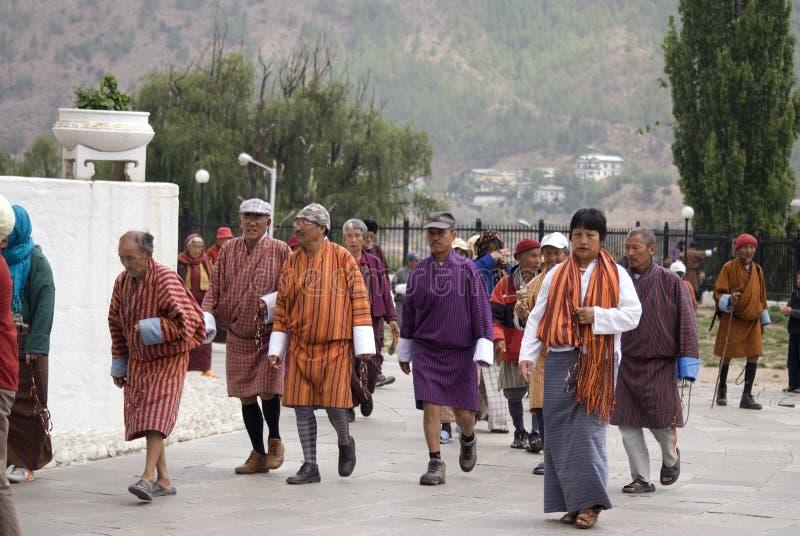 Peregrinos budistas, Thimphu, Bhután fotos de archivo