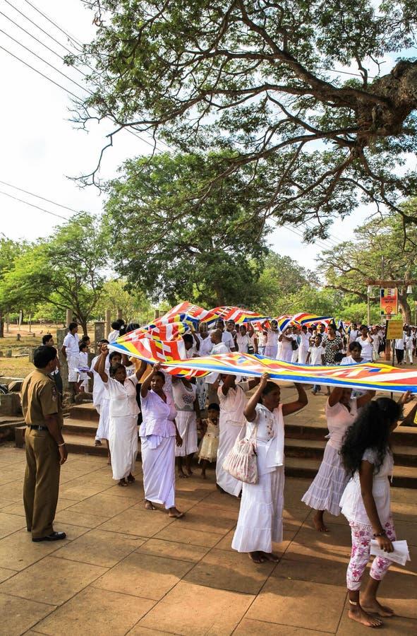 Peregrinos en Anuradhapura, Sri Lanka imágenes de archivo libres de regalías