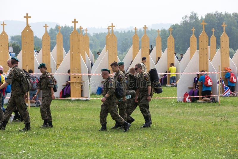 Peregrinos na zona da reconciliação no santuário da mercê divina em Lagiewniki foto de stock royalty free