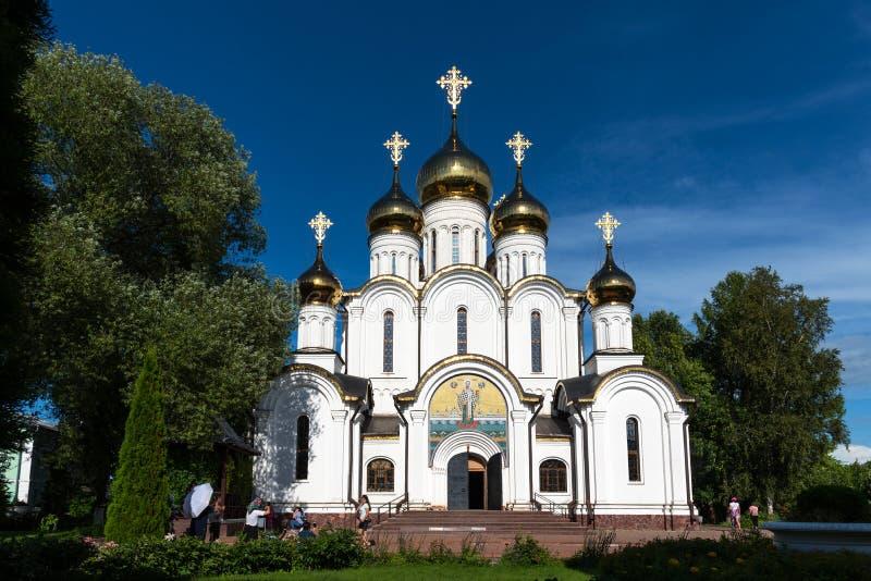 Pereslavl-Zalessky, Russia - 5 agosto 2018: Il monastero delle donne di Nikolsky in Pereslavl Zalessky nella regione di Yaroslavl fotografia stock libera da diritti