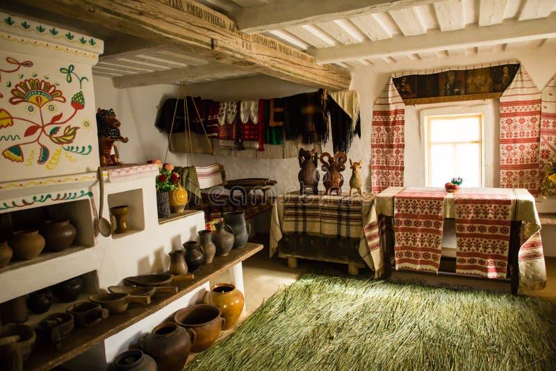 Pereyaslav-Khmelnitsky, de Oekraïne Traditioneel binnenland van de oude Oekraïense hut in de musea van volksarchitectuur, pereyas royalty-vrije stock fotografie