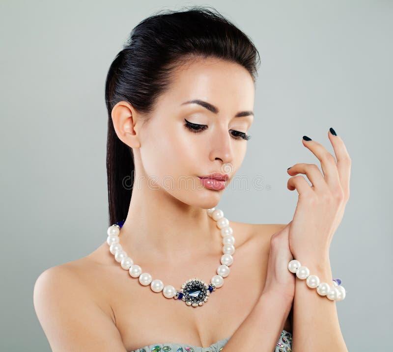 Perfect Młoda moda modela kobieta z Makeup zdjęcia stock
