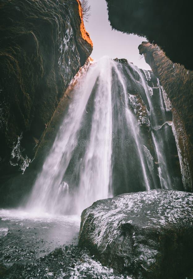 Perfect widok sławna potężna Gljufrabui kaskada Lokaci Seljalandsfoss spadek, Iceland, Europa Sceniczny wizerunek obraz stock