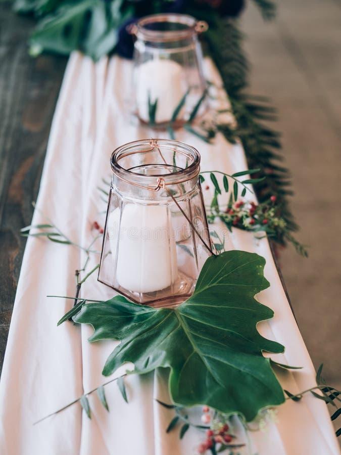 Perfecte huwelijksdecoratie De decoratie van de bloemlijst voor huwelijk stock afbeelding