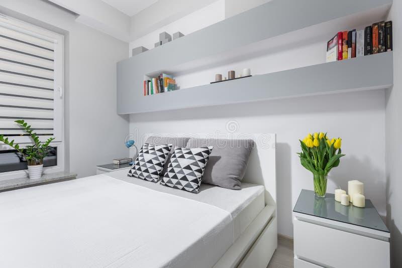 Perfekt sovrum för två arkivbilder