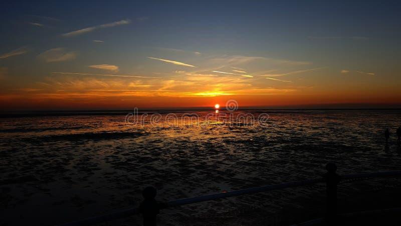 Perfekte Zeit für ein Sonnenuntergangfoto lizenzfreie stockfotografie