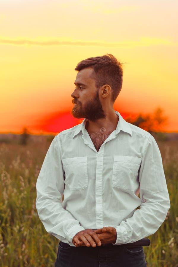 Perfil del hombre con la barba fotos de archivo libres de regalías