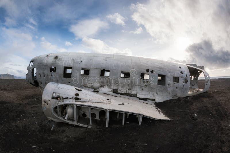 Perfile a ideia do naufrágio do plano DC-3 em Islândia imagem de stock royalty free