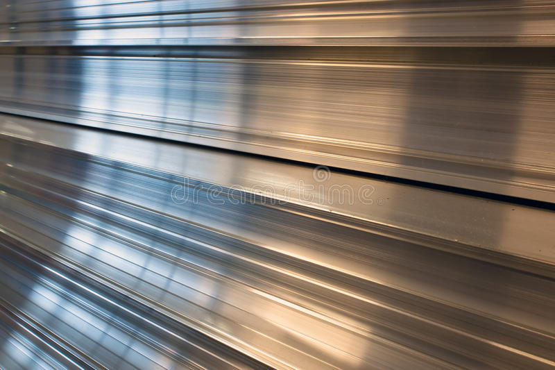 Perfiles de aluminio. imagen de archivo libre de regalías