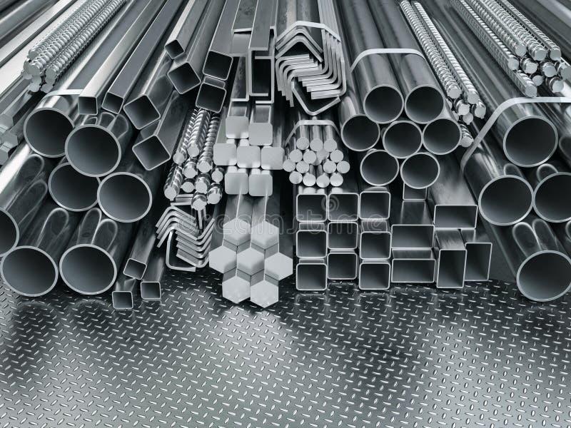 Perfis e tubos de aço inoxidável em segundo plano do depósito Produtos laminados metálicos diferentes fotos de stock