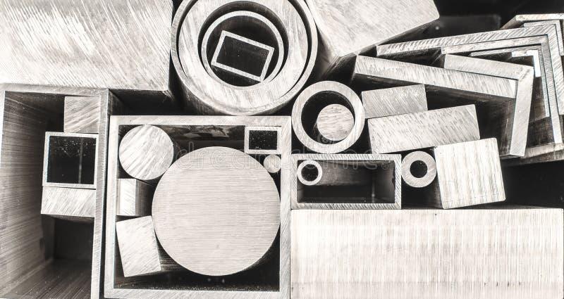 Perfis e tubos do metal imagem de stock
