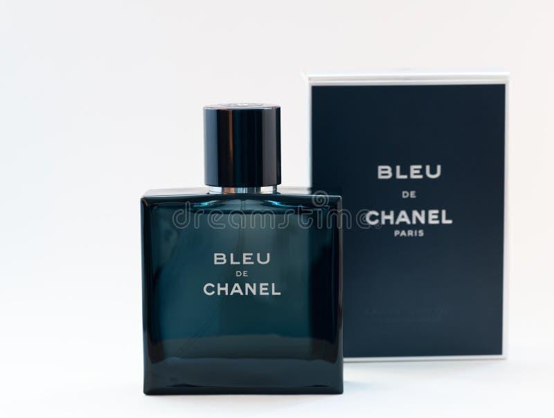 Perfume de Bleu De Chanel imagen de archivo libre de regalías