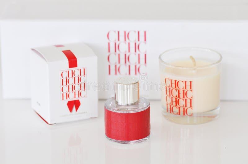Perfume luxuoso do CH Carolina Herrera New York mini, scented vela fotografia de stock royalty free