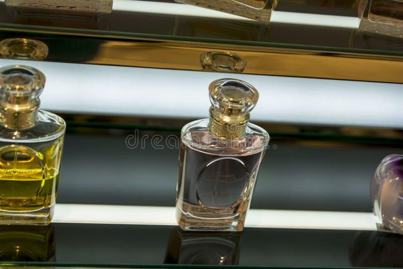 Perfumes de Dior para mulheres fotografia de stock royalty free