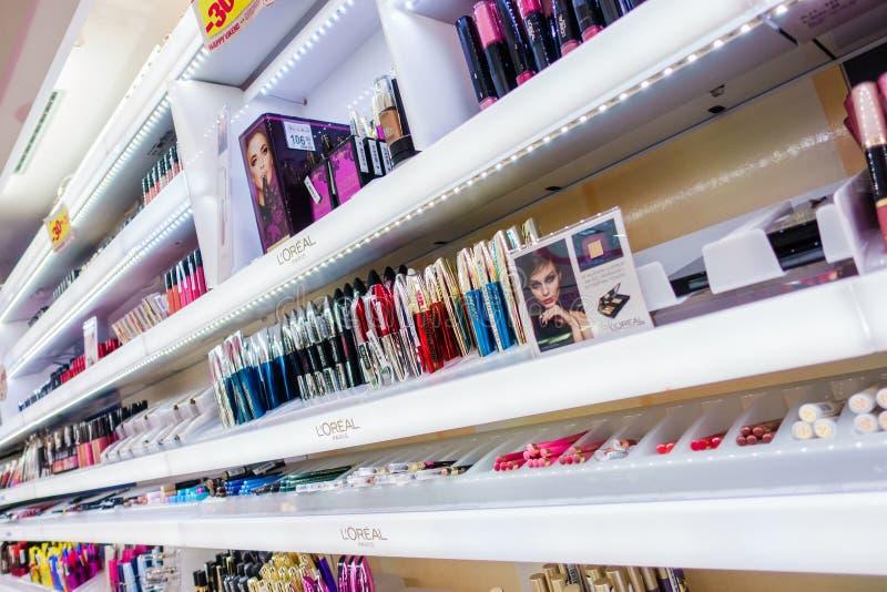 Resultado de imagen de perfumes y cosmeticos