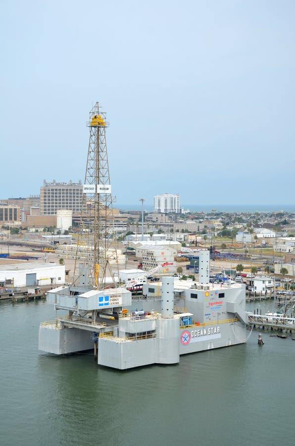 Perfuração a pouca distância do mar Rig Museum da estrela do oceano e centro de educação imagem de stock royalty free