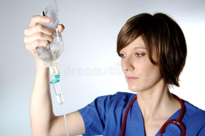Perfusion et infirmière images libres de droits