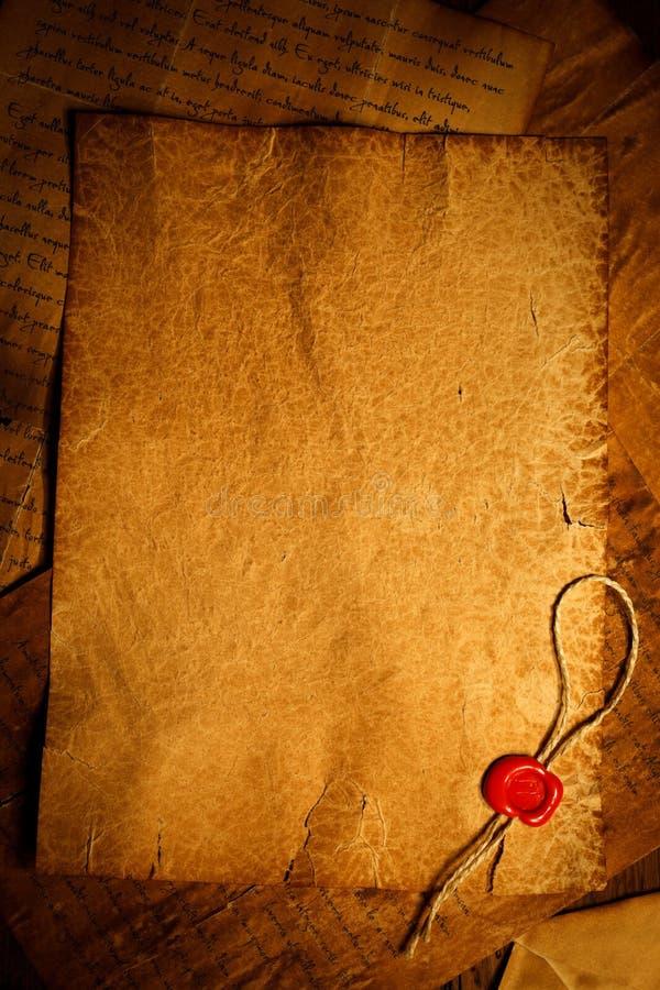 Pergaminho vazio com selo do selo da cera fotografia de stock royalty free