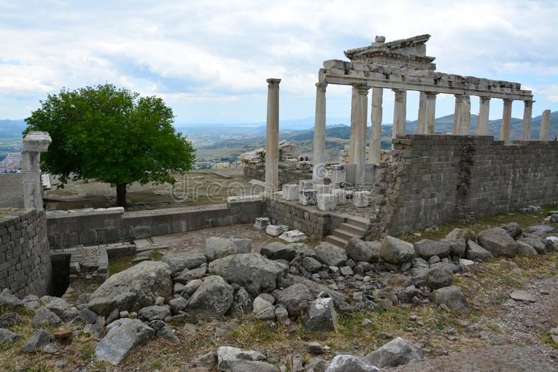 Pergamon forntida stad i İzmir Turkiet royaltyfria foton