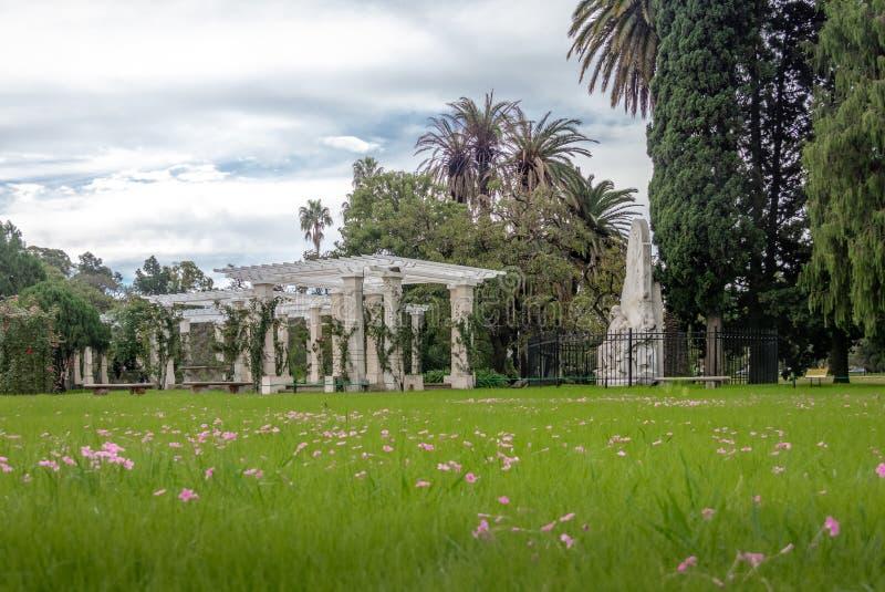 Pergola del lago al EL Rosedal Rose Park a Bosques de Palermo - Buenos Aires, Argentina immagine stock