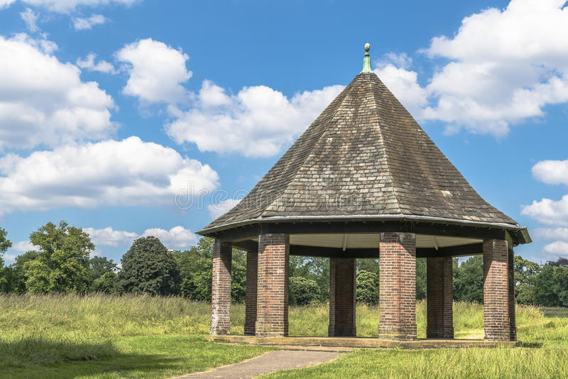 Pergola i Hyde Park, London royaltyfria bilder