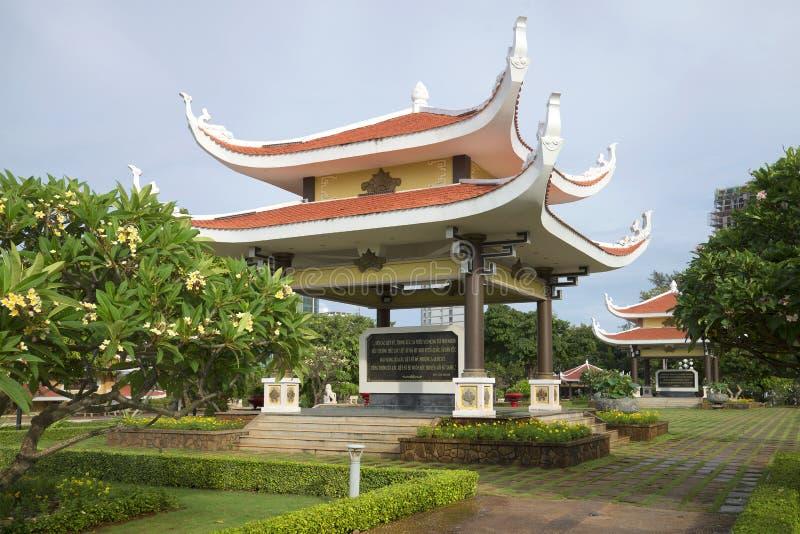 Pergola w tradycyjnym stylu z cytacjami Ho Chi Minh Pamiątkowy powikłany Ho Chi Minh w Vung Tau, Wietnam zdjęcie royalty free