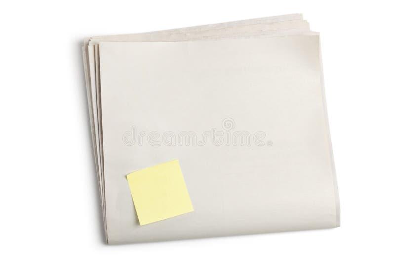 Periódico en blanco y nota pegajosa imagen de archivo libre de regalías