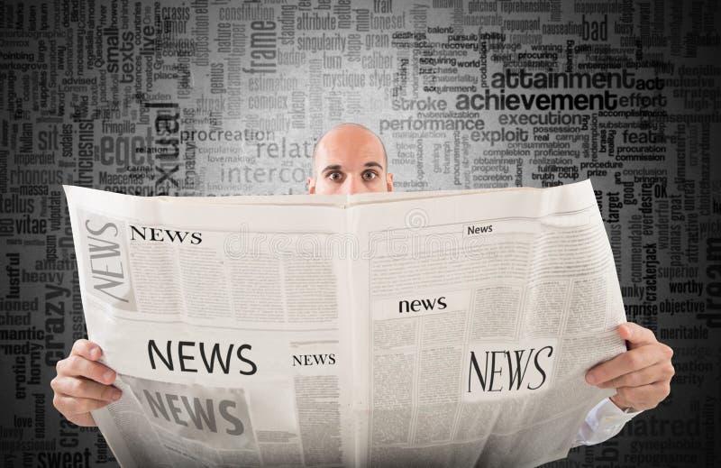 Periódico impactante fotos de archivo