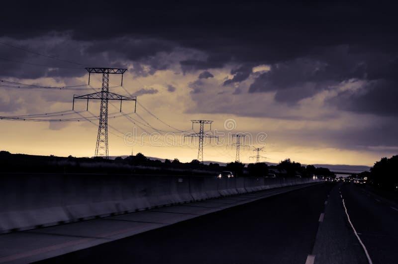 Pericolosa autostrada notturna immagine stock libera da diritti
