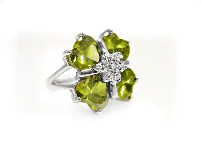 Peridot klejnot diament i na biel srebro pierścionek/, obrazy stock