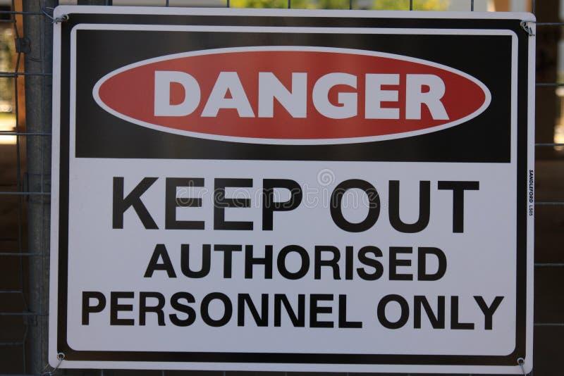 Perigo - mantenha para fora imagem de stock royalty free