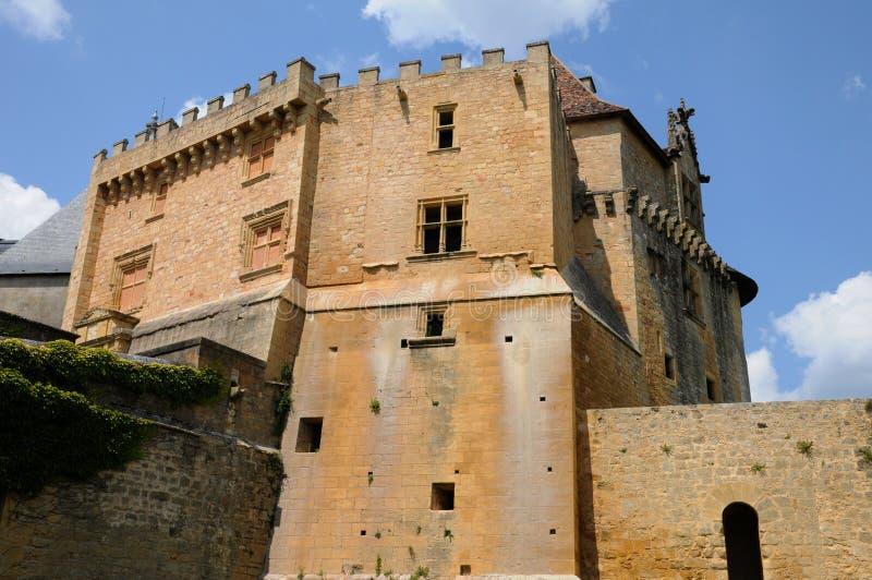 Perigord, het schilderachtige kasteel van Biron in Dordogne stock afbeelding