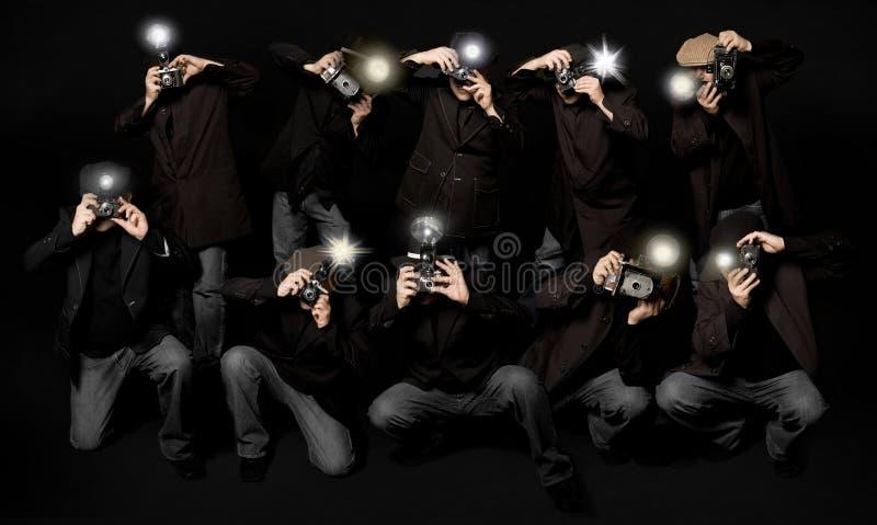 Periodistas fotográficos retros de los paparazzis del estilo stock de ilustración