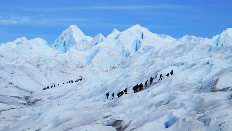 Perito Moreno Glacier Big Ice Trekking com turistas, Santa Cruz Argentina imagem de stock