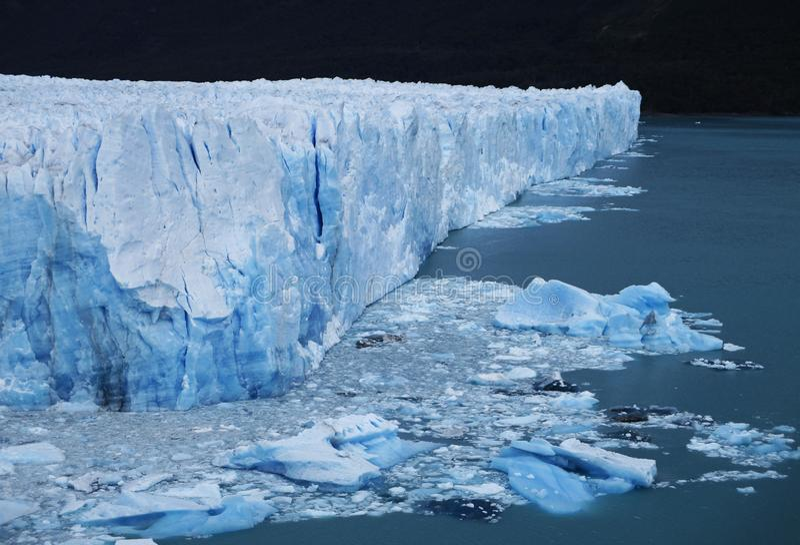 Perito Moreno Glacier Countless Cracks, αγωγοί και Seracs, Calafate Αργεντινή στοκ εικόνα με δικαίωμα ελεύθερης χρήσης