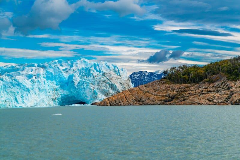 Perito Moreno Glacier en el lago argentina en el parque nacional del Los Glaciares fotografía de archivo