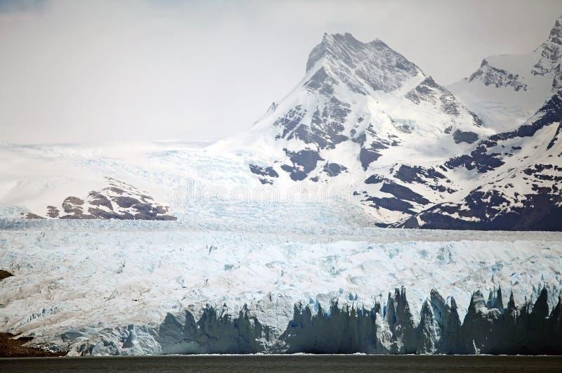 Perito Moreno Glacier en el parque nacional del Los Glaciares, Patagonia, la Argentina imagen de archivo libre de regalías