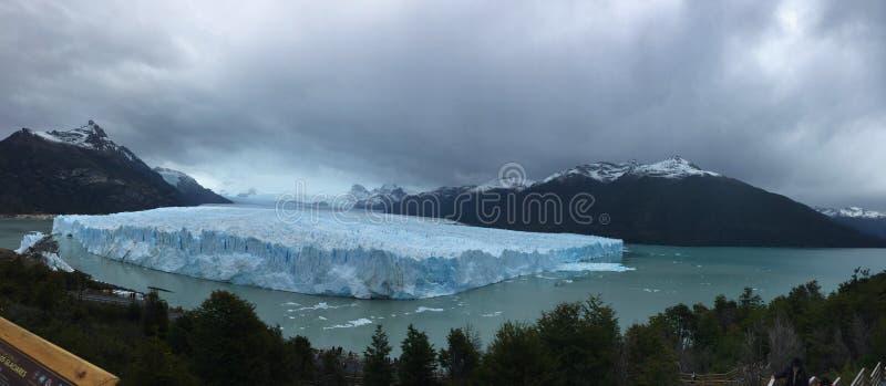 Perito Moreno Glacier - fenómeno natural foto de archivo libre de regalías