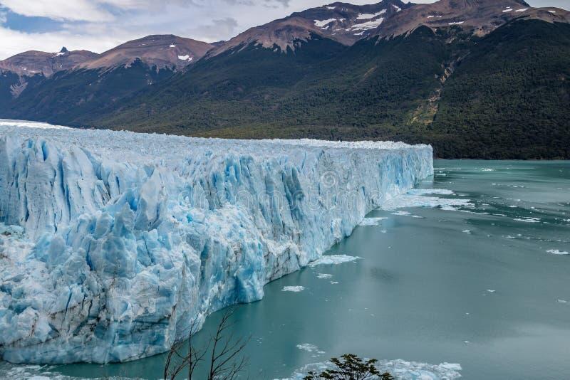 Perito Moreno Glacier på nationalparken för Los Glaciares i Patagonia - El Calafate, Santa Cruz, Argentina royaltyfria foton