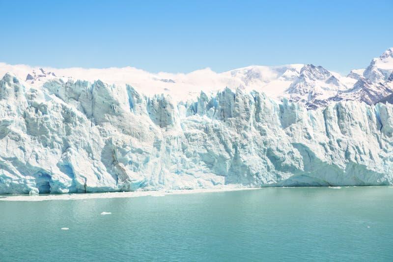 Perito Moreno som är glaciar i argentinian Patagonia - El Calafate arkivbild