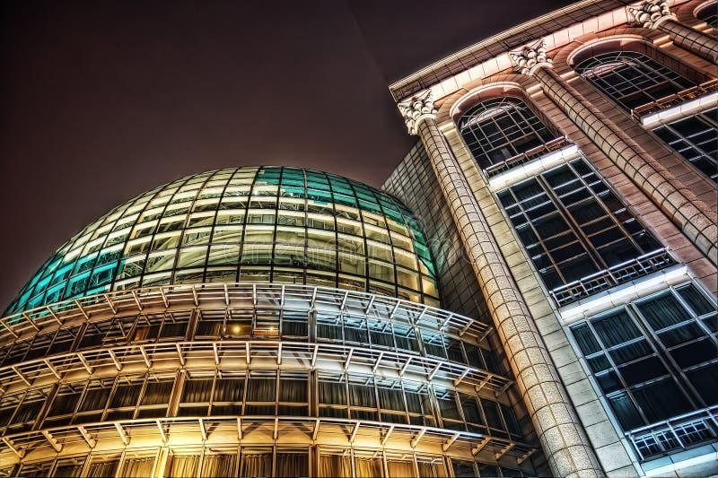 Perla de Oriental del centro de conferencias de Shangai foto de archivo