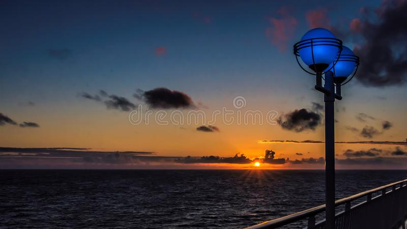 Perle norvégienne, coucher du soleil de l'océan pacifique photos libres de droits