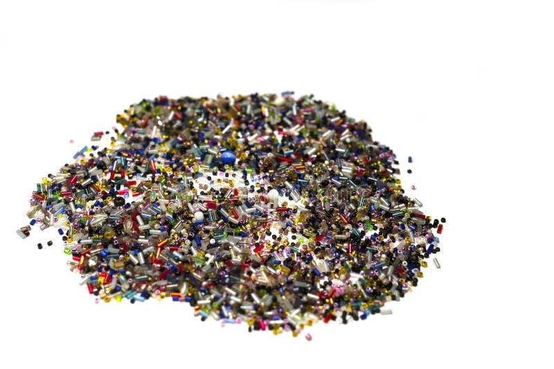 Perlen für Stickerei von verschiedenen Farben stockfotos