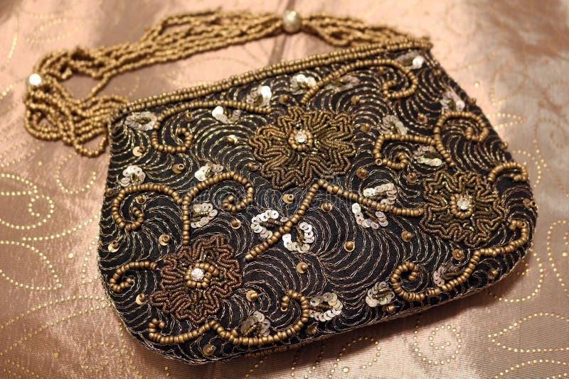 Perlenbesetzte Tasche stockfotos