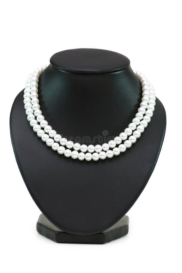 Perlenhalskette getrennt stockbild