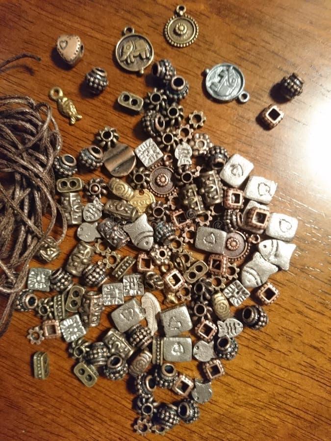 Perles aciers. Perles apprêts accessoires fabrication bijoux stock photo