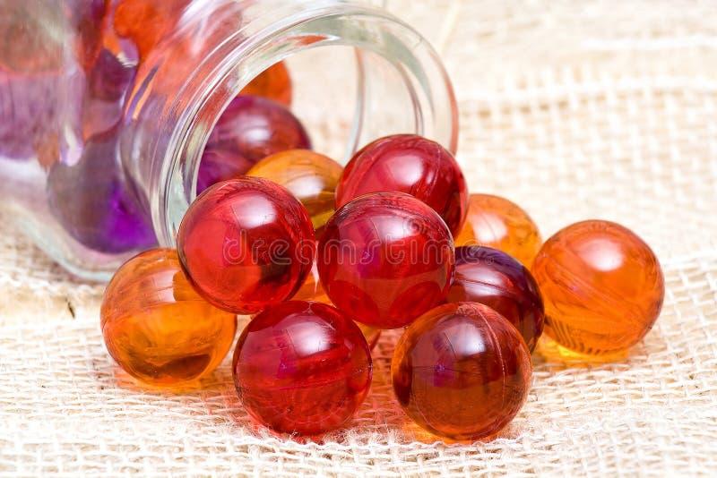 Perles de bain de pétrole photo libre de droits